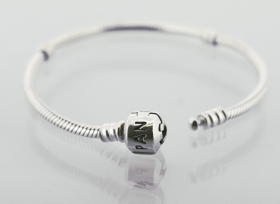 Pandora Grundarmband mit Klemmschließe