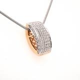 Goldanhänger mit Diamanten
